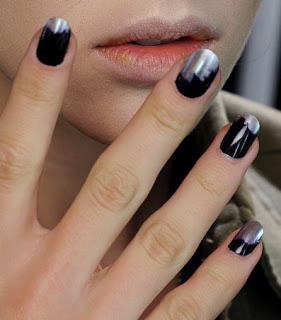 Alexander-McQueen-nails-aw11