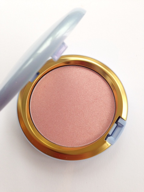 MAC Cinderella Swatchs Coupe d'Chic
