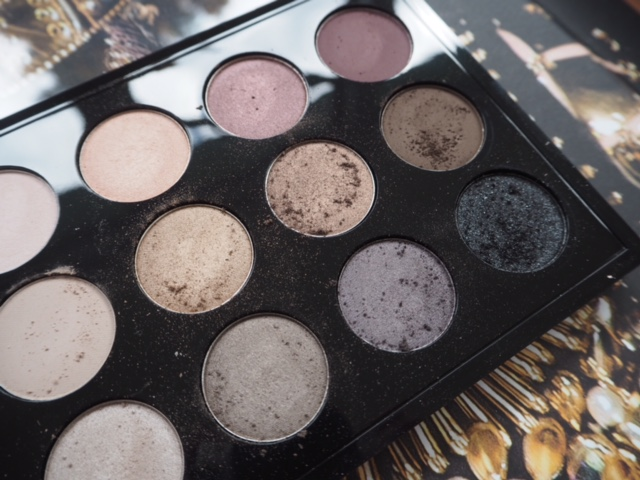 MAC Eyes x 15 Cool Neutral Palette