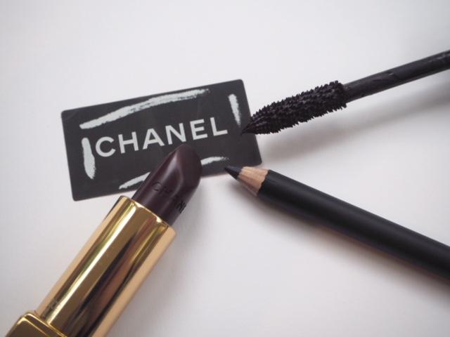 Chanel Rouge Noir Absolument 11