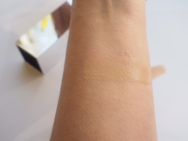 Burberry Bright Glow Foundation