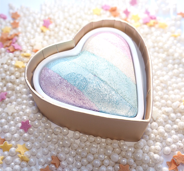 I Heart Makeup Unicorn's Heart Rainbow Highlighter