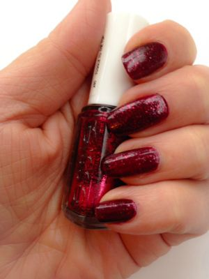 Essie Toggle To The Top