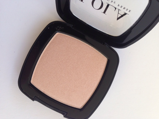 Lola Illuminating Powder