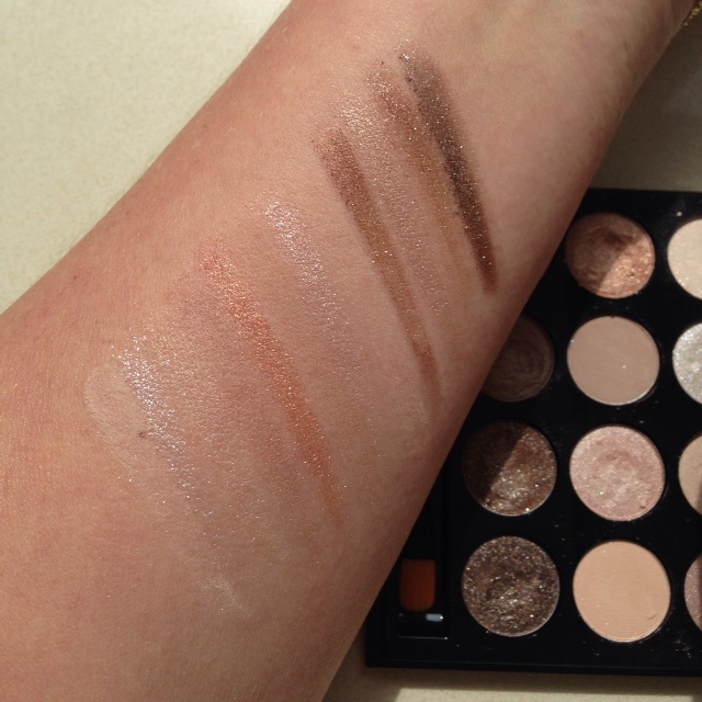 Bobbi Brown Sandy Nude Palette Swatch