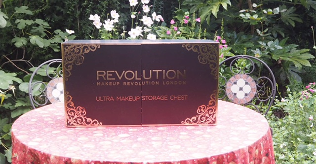 Make Up Revolution Chest