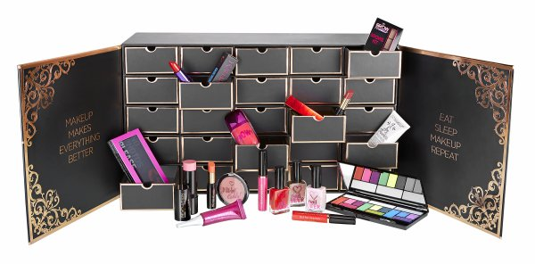 Makeup Revolution Chest