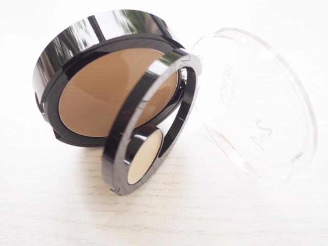 Revlon 2-in-1 Compact & Concealer