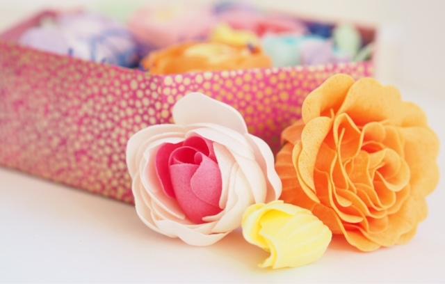 Heathcote & Ivory Bathing Flowers