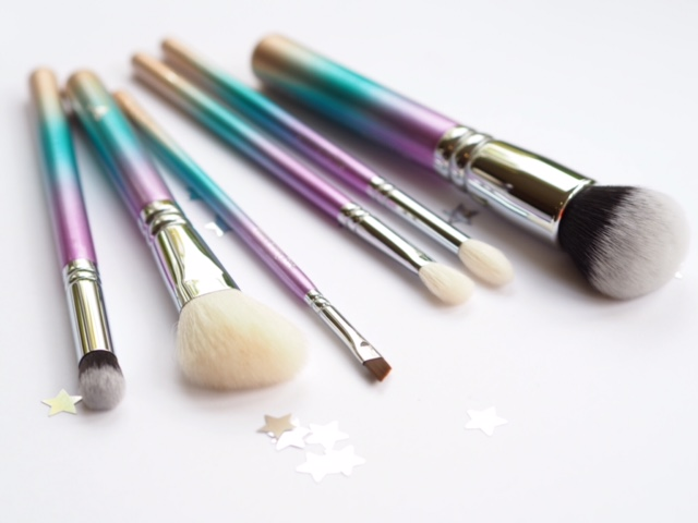 Zoeva Christmas Brush Set